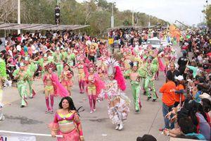 Reina felicidad en desfile de martes de Carnaval de Mérida 2016