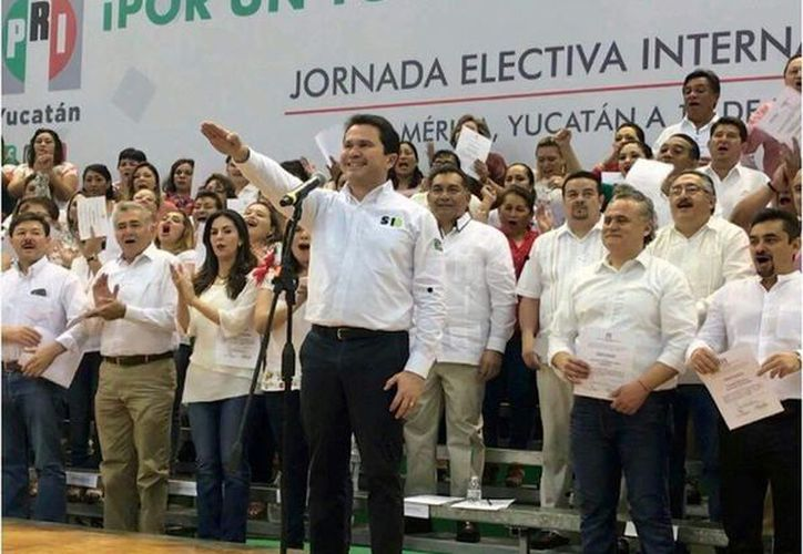 La Jornada Electiva Interna de Candidatos del Partido Revolucionario Institucional (PRI) se realiza en las instalaciones del Poliforum Zamná. (Fotos: José Acosta/ Milenio Novedades)