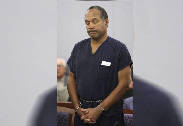 O.J. Simpson, actualmente de 67 años, cumple una condena de hasta 33 años en prisión y no podrá pedir libertad condicional hasta 2017. (AP)