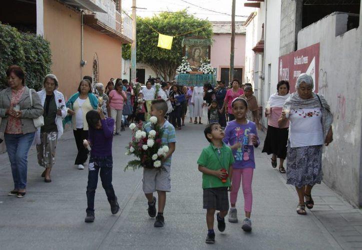 Familiares y amigos del mexicano Edgar Tamayo Arias, que fue condenado a la pena de muerte en E.U. en una procesión el pasado 22 de enero, en el municipio mexicano de Miacatlán, en el estado de Morelos. (EFE)