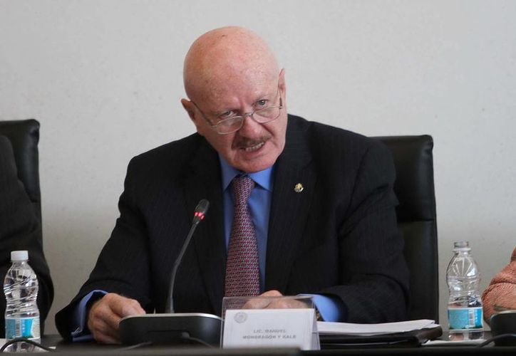 El funcionario mencionó que se espera que la gendarmería opere a finales de año con 10 mil elementos. (Notimex)