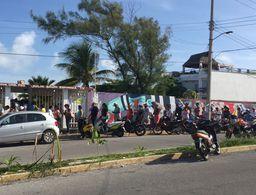 Gente comienza a votar en Isla Mujeres... media hora tarde