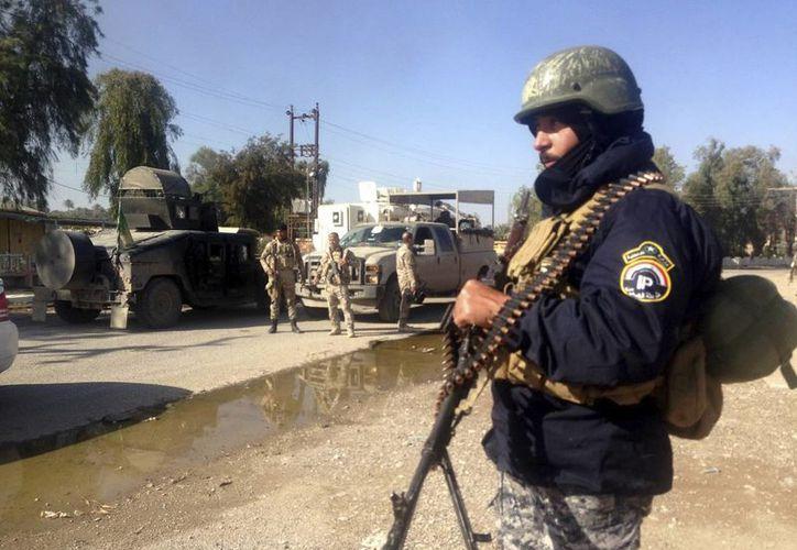 Un soldado iraquí toma posición tras la recuperación de la ciudad de Al Saadiya, el pasado 24 de noviembre, en la provincia de Diyala, al noreste de Irak. (EFE/Foto de contexto)