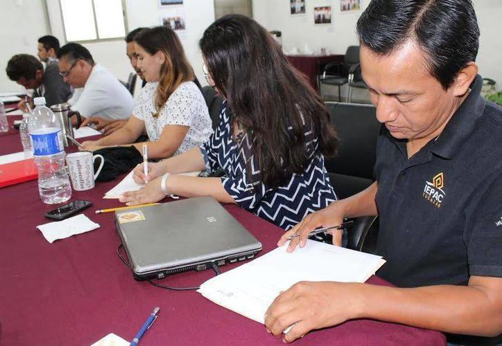 En coordinación con la Universidad Autónoma de Yucatán el Iepac trabajó en la creación de dos asignaturas libres que serán aplicadas en la Máxima Casa de Estudios, para beneficio de estudiantes de educación superior. (Milenio Novedades)