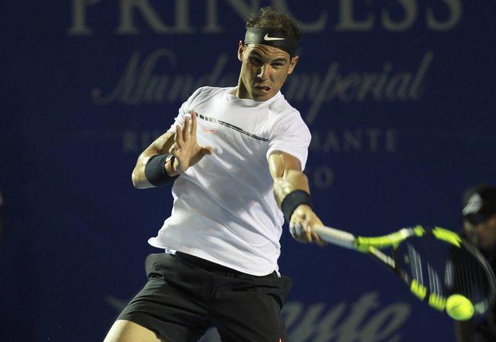 Rafael Nadal avanzó sin problemas a la siguiente ronda del Abierto Mexicano, y ahora enfrentará a Paolo Lorenzi.(Alejandro Valencia/AP)