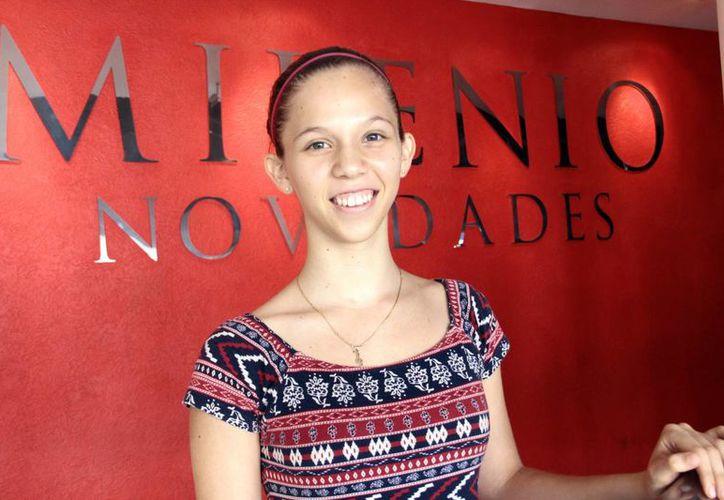 Daniela Jiménez visitó Milenio Novedades, previo a su recital de mañana, para invitar a los yucatecos a acompañarla mañana a su concierto. (Milenio Novedades)
