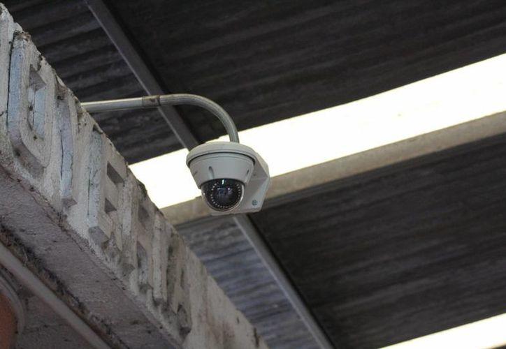 Alrededor de 18 mil comercios en Yucatán cuentan con sistemas de videovigilancia, pero este sería mayor a través del programa Escudo Yucatán con el apoyo de la Iniciativa Privada. (Foto cortesía del Gobierno de Yucatán)