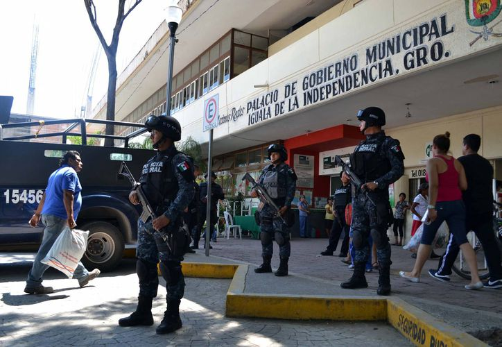 Durante varios meses Guerrero ha sido escenario de actos violentos. En la imagen, efectivos de la Gendarmería cuando asumieron el control en Iguala, Guerrero, el pasado 6 de octubre. (Foto: Archivo/Notimex)