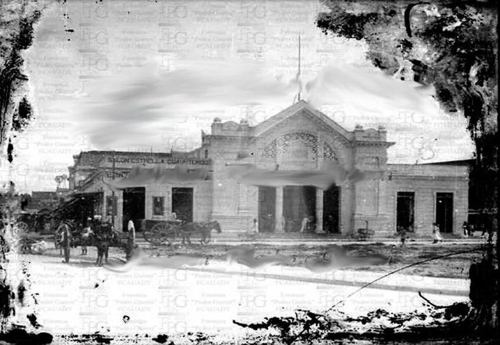 Hubiera sido muy lindo mantener la fachada original del mercado Lucas de Gálvez. (Sergio Grosjean/SIPSE)