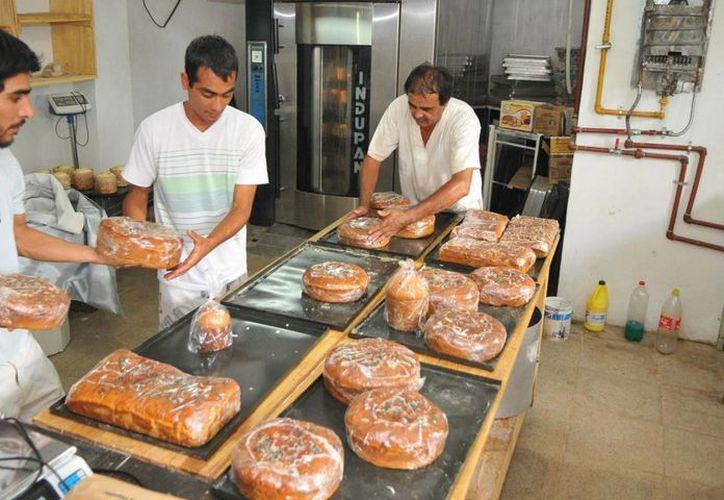 Reposteros y panaderos mexicanos están a la cabeza en América Latina, por la variedad de formas, sabores, colores y diseños en sus creaciones. (Imagen de contexto/planoinformativo.com)