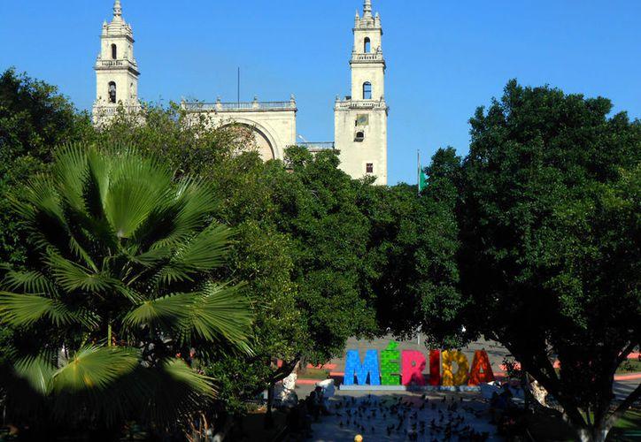 Según empresarios del ramo turístico, Mérida está de moda como destino turístico. Un estudio de Despegar.com revela que la ciudad creció 72 por ciento en reservaciones de vuelo comparado con 2016. (Eduardo Vargas/SIPSE.com)