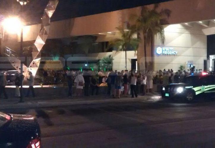 La imagen corresponde a la movilización realizada en Mérida la noche del 7 de septiembre, tras el sismo registrado en el país. (SIPSE)