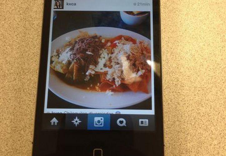 Las políticas en torno a la fotografía de alimentos varían de un restaurante a otro. (SIPSE)