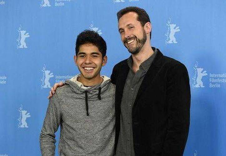 El actor Kristyan Ferrer y el director mexicano Gabriel Ripstein. (AFP)