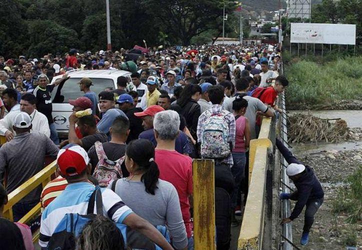 Representantes de una docena de países latinoamericanos se reunirán la próxima semana en Quito. (Reuters)