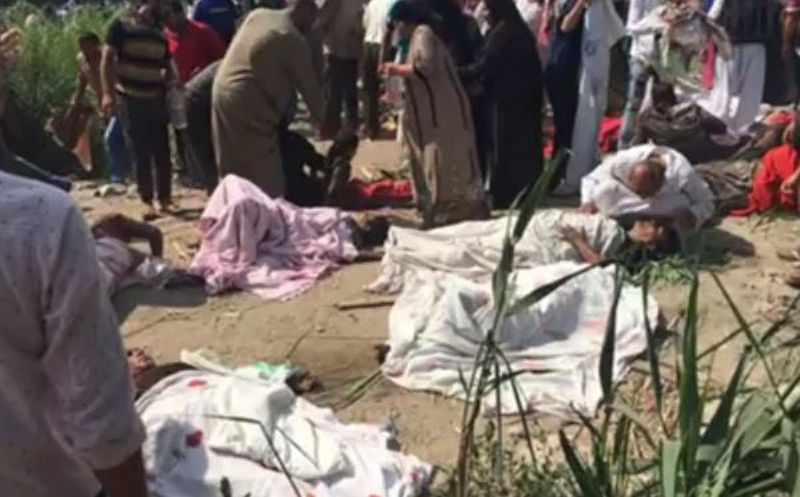 Decenas de heridos por choque de trenes en Egipto