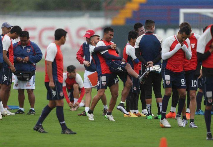 Los jugadores entrenaron con otra dinámica. (Ángel Mazariego/SIPSE)