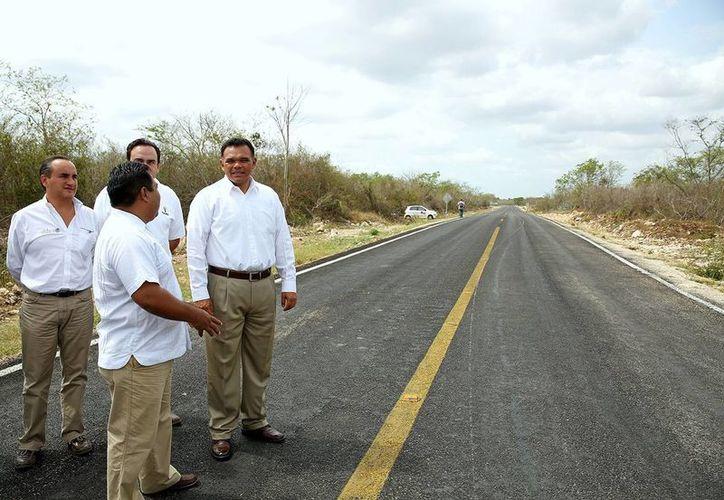 Las nuevas obras entregadas en Tixpéual corresponden a una inversión estatal y federal de más de 11 millones de pesos. (Foto: Cortesía del Gobierno del Estado)