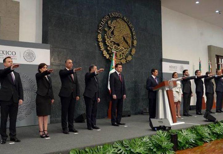 El presidente de México, Enrique Peña Nieto, anunció este jueves cambios en su gabinete legal y ampliado. (Presidencia)