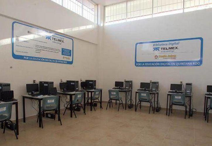 Los equipos servirán para consulta en la biblioteca. (Cortesía/SIPSE)