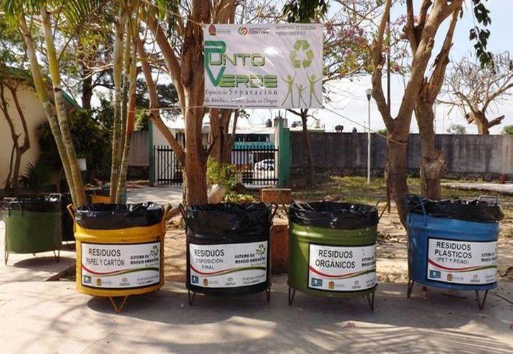 """De igual manera se impartieron pláticas a 13 grupos escolares con el tema """"Residuos Sólidos ¡SEPARADOS NO SOMOS BASURA!. (Redacción/SIPSE)"""