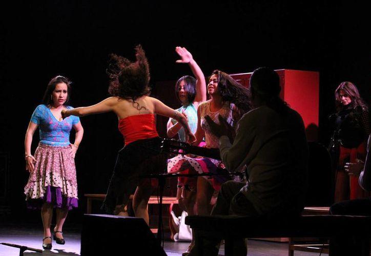 'Carmen, teatro y flamenco' combina danza y teatro con el mundo del box. (Notimex)