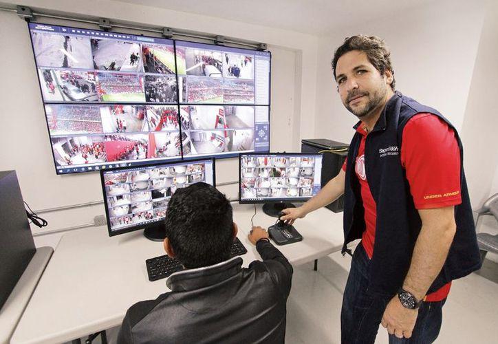 Ariel Picker, fundador del Grupo Seguritech implemento tecnología de punta para garantizar la seguridad en el Estadio Nemesio Diez.