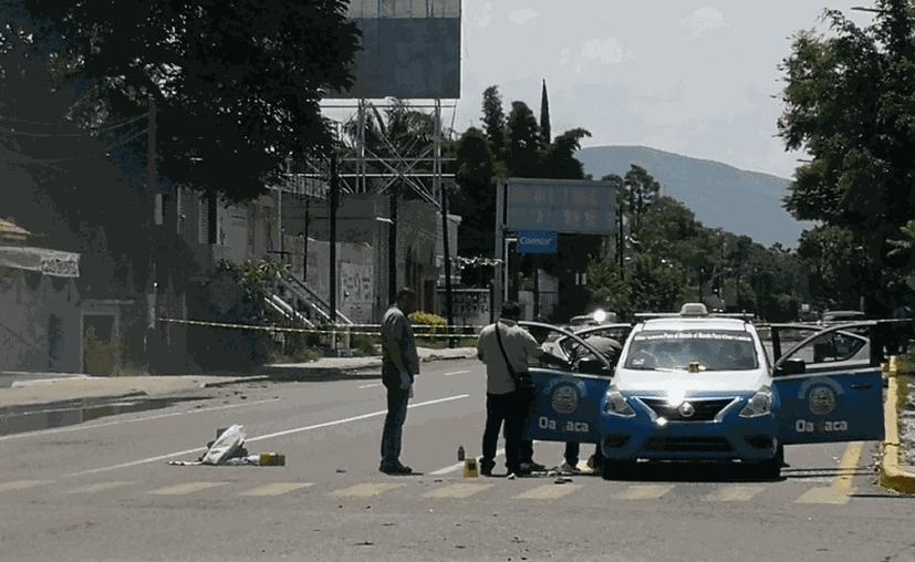 El conductor murió en el lugar y fue identificado como Pedro N. (Noticieros Televisa)