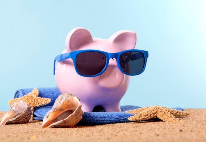 Puedes poner a prueba estas recomendaciones antes y durante tu viaje para ahorrar un poco de dinero. (Business Day)