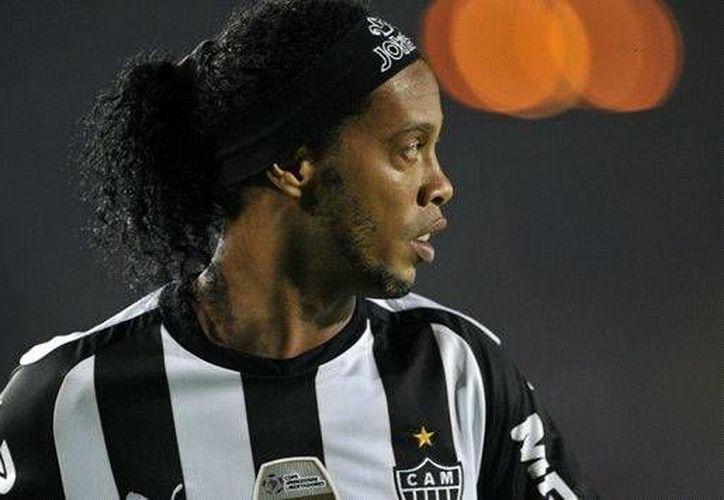 Ronaldinho podría debutar este viernes en la Liga Mx en partido entre su nuevo club, el Querétaro, y el Puebla. (goal.com)