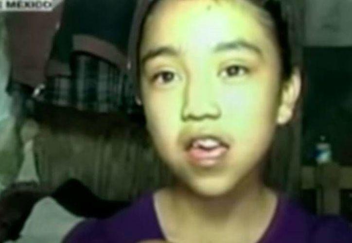 Pamela, una niña de 11 años que vive en Neza, tiene uno de los mejores promedios en la escuela, pero no tiene ni siquiera dónde vivir. (Captura de pantalla de video en YouTube/Cadenatresnoticias)