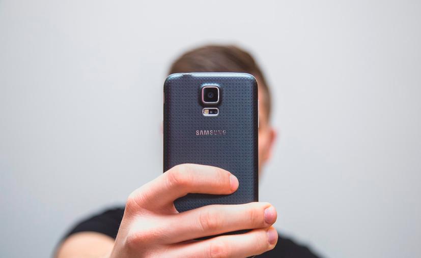 Aún no queda claro por qué predomina esa percepción negativa de quien publica selfies. (Pxhere)