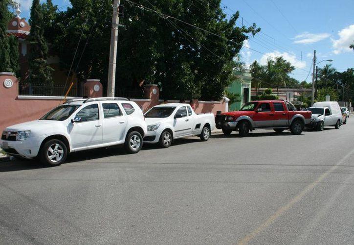 Cuatro camionetas estuvieron involucradas en un choque múltiple en la avenida Pérez Ponce. (Milenio Novedades)