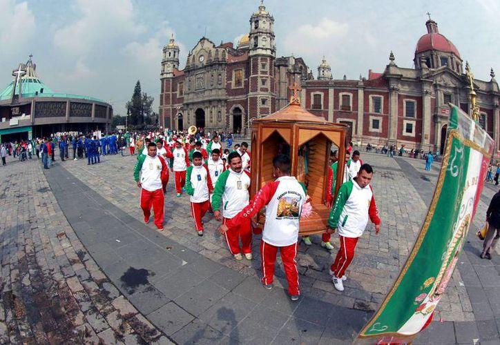 Se estima que siete millones de personas visiten la Basílica de Guadalupe con motivo del 485 aniversario de la aparición de la Virgen en el cerro del Tepeyac. (Archivo/Notimex)