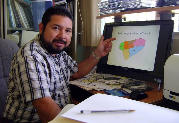 El secretario académico de la Faculdad de Economía de la Uady, Eraclio Cruz Pacheco. (Milenio Novedades)