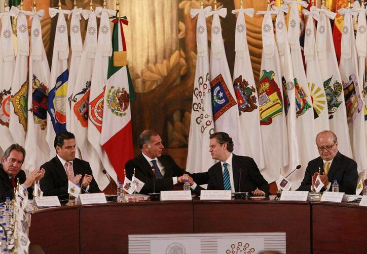Los gobernadores se reunieron con la SEP este martes en la Ciudad de México. (Notimex)