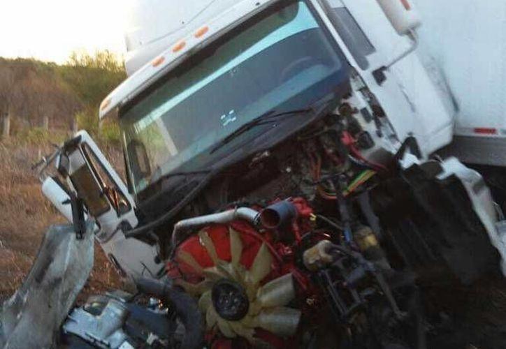 El dirigente estatal del PT de Oaxaca sufrió un trágico accidente en la carretera de  Santiago Niltepec.(Foto tomada de Excélsior)