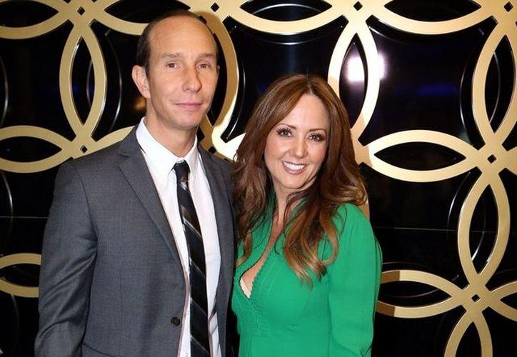 El cantante platicó que él y Andrea son una pareja 'normal' ya que han enfrentado diversos problemas. (Foto: Internet)