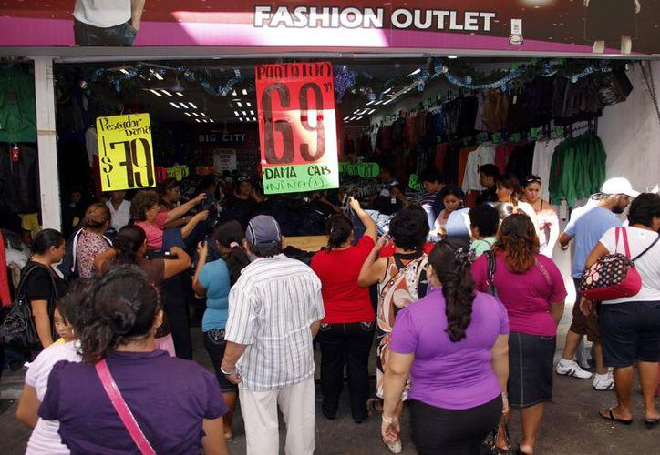 Los consumidores no esperan para aprovechar las ofertas. (Milenio Novedades)
