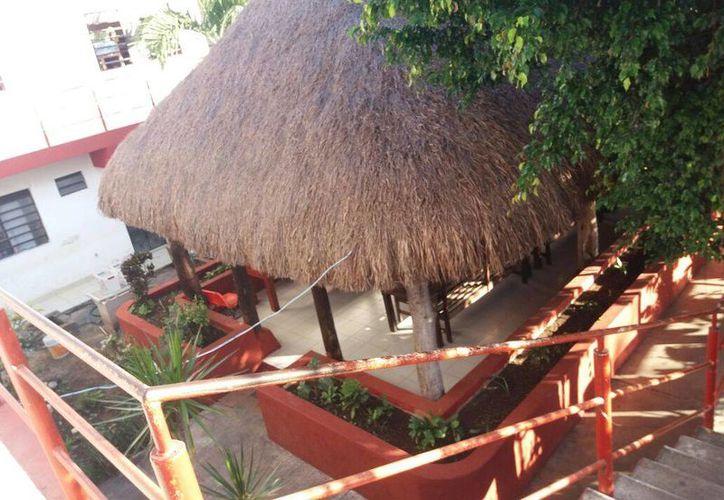 La actual administración del Albergue Estudiantil Indígena de Chetumal acusa que su antecesora se llevó todos los recursos necesarios para los gastos de noviembre. (Benjamín Pat/SIPSE)