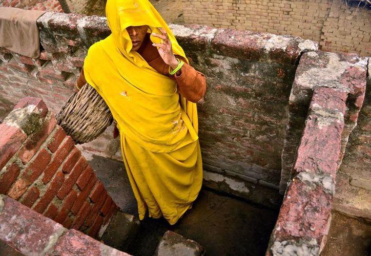 En 2014, el Tribunal Supremo de India sentenció que la limpieza manual de excrementos humanos viola los derechos humanos; a pesar de ello, la práctica sigue vigente. (EFE)