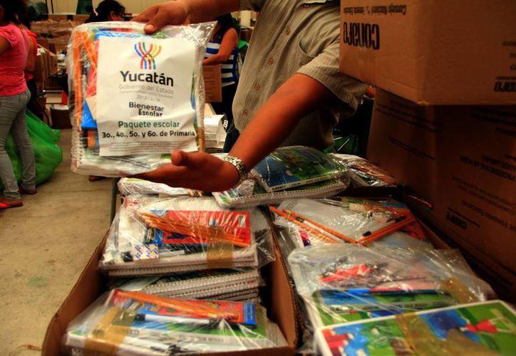 Los paquetes escolares son entregados gratuitamente. (Milenio Novedades)