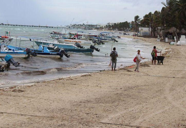 inclemencias del clima ha alejado a los turistas de sus servicios y operan en promedio del 55% (Adrián Barreto/SIPSE)