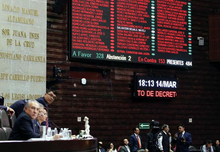 El resultado fue de 328 votos a favor, 153 en contra y 2 abstenciones, de José Ángel Pérez y José Sosa, del PES. (Agencia Reforma)