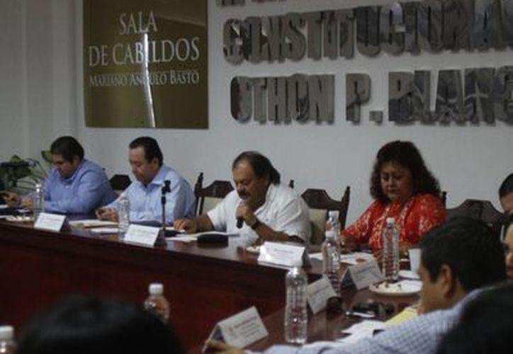 Señala el alcalde Eduardo Espinosa Abuxapqui que el municipio tiene mejor calificación crediticia. (Harold Alcocer/SIPSE)