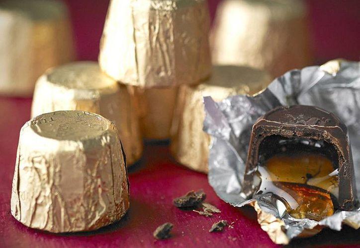 Turín es fabricante de chocolates y propietaria de marcas en el mercado como Conejos, Exóticas, Huevitos, Cerezas y su línea de chocolates Turín rellenos de licor.(lakeland.co.uk)