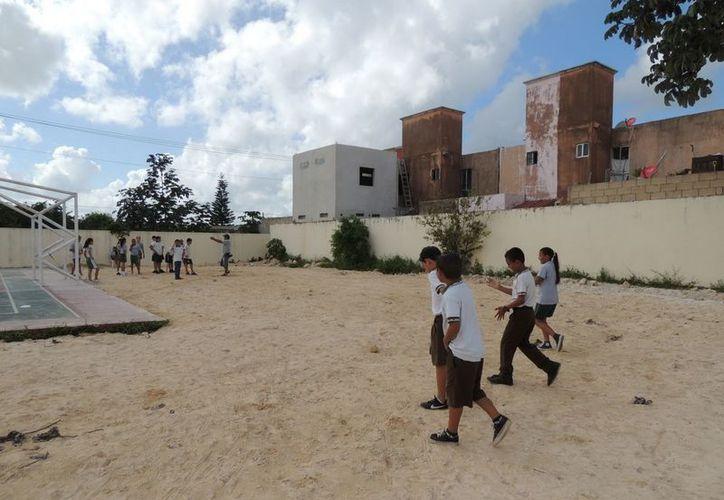 Los alumnos podrán disfrutar de las áreas de juego sin correr peligros. (Cortesía/SIPSE)