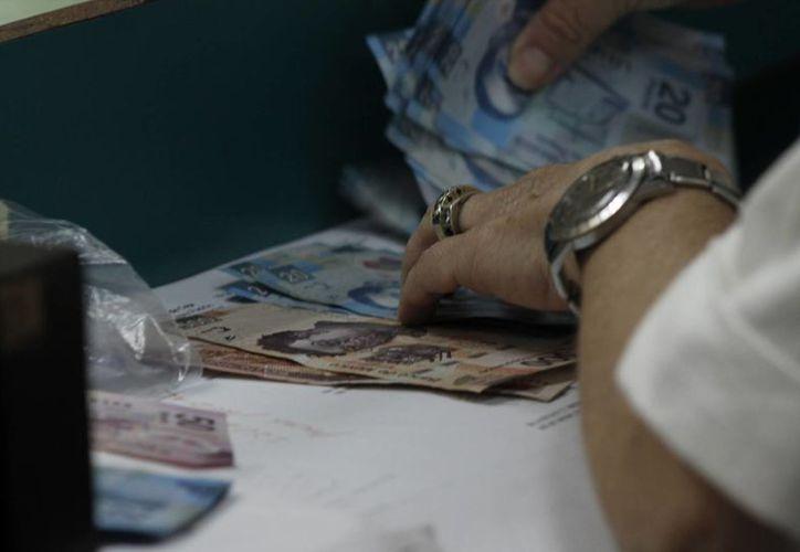 Las empresas que no cumplan a tiempo son acreedoras a multas que van desde los cinco mil salarios. (Redacción/SIPSE)