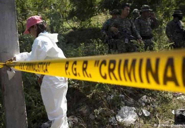 Horas antes, la policía evacuó a un grupo de personas de una zona en disputa por narcotraficantes. (Contexto/Internet)