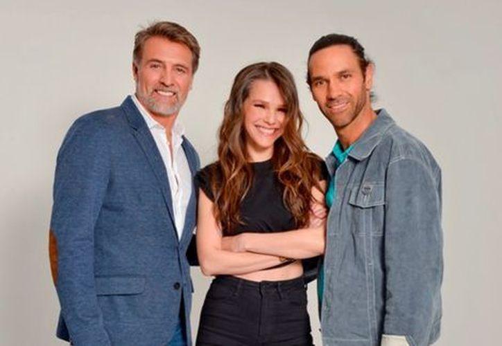 Juan Soler, Kika Edgar y Valentino Lanús se suman al elenco de la serie 'Nada Personal'. (Foto:TV Azteca )